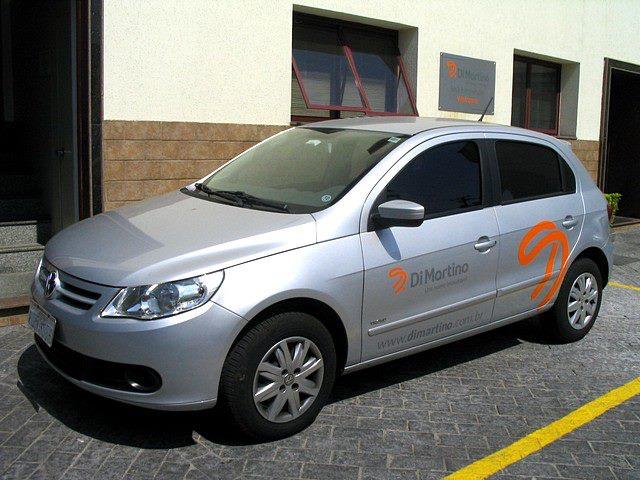 Babenko agencia de publicidade - Adesivacao Veiculos Empresa Frota - Identidade visual - Carro Di Martino (frente)